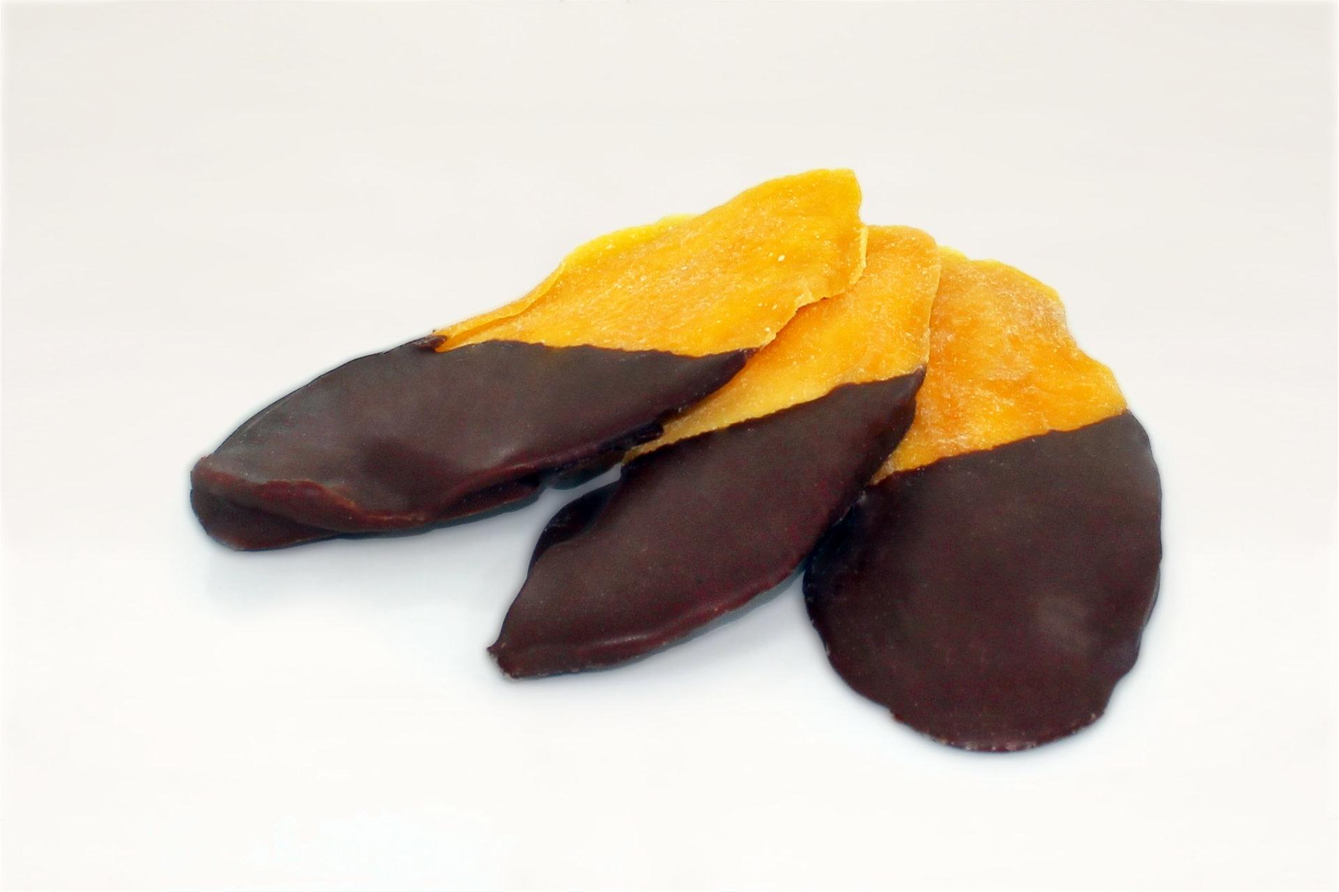 Mango, getrocknet, halbschokoliert mit Milchschokolade, Serviervorschlag